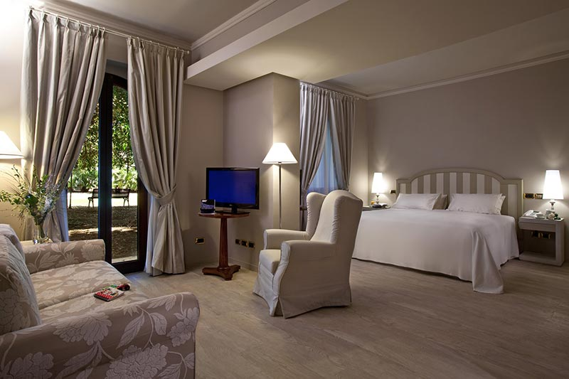 grand-hotel-baia-verde-family-room