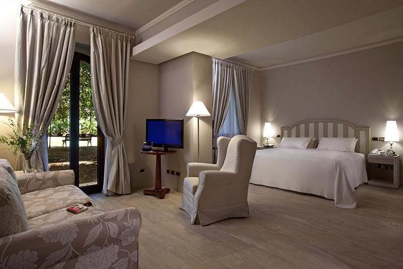 grand-hotel-baia-verde-family-room