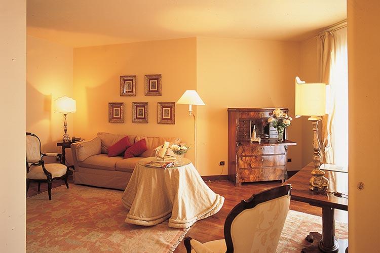 hotel-baia-verde-beige-suite-1